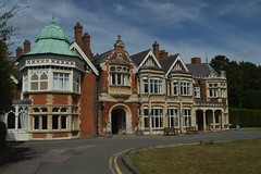 The Mansion at Bletchley Park (CoasterMadMatt) Tags: bletchleypark2018 bletchleypark bletchley park governmentcodeandcypherschool government code cypher school gccs codebreakers codebraking secondworldwar worldwar2 worldwarii ww2 wwii world war museum museums englishmuseums mansion countryhome countryhouse manorhouse manorhome statelyhome stately country house home exterior outside building structure architecture buckinghamshire bucks southeastengland southeast england britain greatbritain great gb unitedkingdom uk united kingdom europe august2018 summer2018 august summer 2018 coastermadmattphotography coastermadmatt photos photographs photography nikond3200
