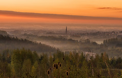 Gedling Sunrise (Tracey Whitefoot) Tags: 2018 tracey whitefoot nottingham nottinghamshire october gedling valley country park ng4 sunrise dawn mist misty church autumn fall