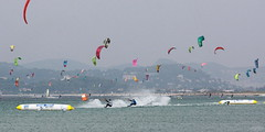 Almanarre Boarder-Cross (waielbi) Tags: kite kitesurf kiteboarding kitesurfing kitesurfer kitebeach kiteboarder ttr twintiprace boardercross almanarre flysurfer hyères var