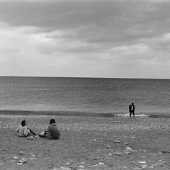 ... (johnny walker no label) Tags: seascapes streetphotography street people film bw blackwhite