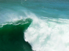 the wave (st-bruehne) Tags: ocean wave welle portugal nazare surfing paradise