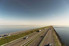 Abschlussdeich (hph46) Tags: niederlande afsluitdijk nordsee ijsselmeer autobahn abschlussdeich horizont sony alpha7r canonef2470mm14lisusm