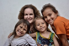 Cristal Montanez gives hope to Venezuelan refugee children in Cucuta (Cristal Montanez Venezuela) Tags: centrodemigraciones corporacionscalabrini bancodiocesanodealimentos diocesiscucuta rotarycucuta rotaryeclubhouston colombia refugeecrisis venezuelarefugees hopeforvenezuelanrefugees esperanzapararefugiadosvenezolanos crisishumanitaria cúcuta humanitariancrisis venezuela ayudahumanitaria cristalmontanez cristalmontañez globalcitizen activist citizendiplomat houston humanitarian womenofworth