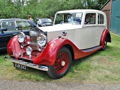 688 Rolls Royce 25:30 Saloon (1938) (robertknight16) Tags: rr rollsroyce british 1930s 2530 brooklands euw543