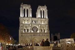 Notre Dame de Paris by Night (besopha) Tags: