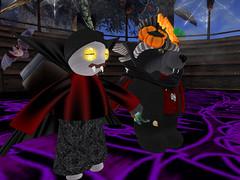 Wolfie & new friend (Teal Freenote) Tags: tealfreenote wolfhartnell raglanshire tiny tinies virtualworld sl secondlife