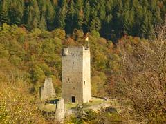 Burgturm Oberburg (Jörg Paul Kaspari) Tags: dieliesertaltour wanderung herbst autumn fall eifel vulkaneifel manderscheiderburgen manderscheid liesertal oberburg burgturm turm tower burg burgruine ruine ruin