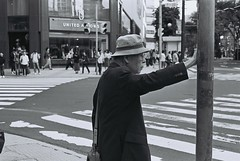 FH000018_Edit (Awayat_theflicks) Tags: ishootfilm filmisnotdead filmphotography blackandwhite monochrome mono kodak tmax tmax400 finestgrain contrast sapporo japan hokkaido streetphotography autumn candidshots ricohkr5 ricoh grain grainnotmegapixels 札幌 北海道 日本 モノクロ 白黒 フィルムカメラ ビンテージ コダック ストリートスナップ 秋