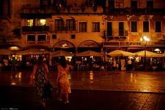 Voyage en Italie 2018   0640 (Distagon12) Tags: verona nuit villenuit notte night nightphoto photo summilux sonya7rii italy italia citybynight wideaperture light