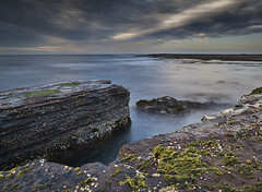 Coledale Pool Rockshelf - South Coast - NSW (paulbartle - Shot2frame Photography) Tags: coledale pacificocean tasmansea wollongong southcoast nisifilters canon canon5dmk3 moodycloud lowswell illawarra newsouthwales nsw shot2frame shot2framephotography lowtide