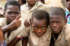 Togo (_pjmonline) Tags: africa togo ef70200f28lisusm schoolboys canoneos7dmarkii régionmaritime tg