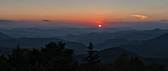Tranquility (Bob.Z) Tags: caneyforkoverlook blueridgeparkway cullowhee northcarolina unitedstates us nc sunset sundown mountains overlook forest jacksoncounty canton brevard