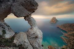 ES VEDRÀ. (VICENTE PLANELLS RAMON) Tags: amanecer ibiza eivissa mar mediterraneo es vedrà roca