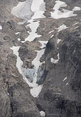 Glacier color on side of Hinman Mt (Scott_Nelson) Tags: skykomish washington unitedstates us cascades cascadesfromtheair cascademountians autumn aerialphotography aerial fall fallcolors mountains