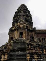 180726-091 La tour (clamato39) Tags: angkor angkorwat cambodge cambodia asia asie voyage trip temple religieux religion ancient ancestrale patrimoine ciel sky clouds nuages