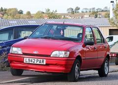 L942 PAR (Nivek.Old.Gold) Tags: 1994 ford fiesta 16 16v ghia 5door