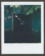 0044 The Tunnel (romain@pola620) Tags: pola polaroid analog analogue analogique argentique film pellicule square carré impossible impossibleproject originals one onestep onestep2 itype londres london uk decay derelict alexandrapark alexandrapalace muswell muswellhill tunnel dark sombre creepy