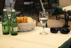 Jelsa (dese) Tags: lunsj lunch jelsa hvar dalmatia vatn brød water bread stilleben mrtvapriroda stilllife glas bord kveitebrød july20 2018 europa adriahavet adriaticsea adriatic july juli summer sommar ferie croatia kroatia europe coast sommarferie restaurant sykkeltur