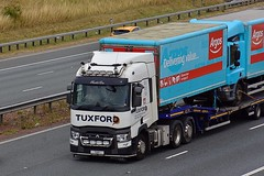 TUX 1 (Martin's Online Photography) Tags: renault series t truck wagon lorry vehicle freight haulage commercial transport a1m northyorkshire nikon nikond7200
