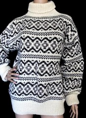 Fair isle Stobi turtleneck sweater (Mytwist) Tags: ullar itchie icelandic classic love passion design handcraft craft sweater itch wool reykjavik fairisle fair isle íslensk fashion mytwist lopi pattern exclusive style fetish chunky bulky cozy retro timeless authentic heavy handgestrickt fuzzy casual icelandicsweater peysa turtleneck rollneck rollkragen ski stobi 100 denmark scandinavian nordic ivory gray gift tn dk