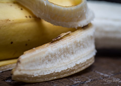 If you can't think because you can't chew, try a banana (Peter Jaspers (sorry less time to comment)) Tags: frompeterj© 2018 olympus zuiko omd em10 1240mm28 macro food banana bfood home fruit yellow peel dof texture pisang macromondays