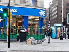 Tottenham Court Road. 20181015T15-50-09Z (fitzrovialitter) Tags: england gbr geo:lat=5151660000 geo:lon=013064000 geotagged tottenhamcourtroad unitedkingdom peterfoster fitzrovialitter city camden westminster streets urban street environment london fitzrovia streetphotography documentary authenticstreet reportage photojournalism editorial daybyday journal diary captureone olympusem1markii mzuiko 1240mmpro microfourthirds mft m43 μ43 μft ultragpslogger geosetter exiftool rubbish litter dumping flytipping trash garbage