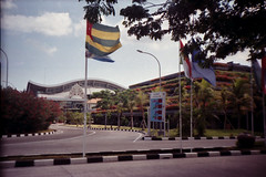 Airport Ngurah Rai (Ya, saya inBaliTimur (leaving)) Tags: filmcamera kamerafilm fujicolor200 bali tuban bandara airportterminal airport terminalbandara building gedung arsitektur architecture gedungparkir carpark