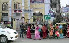 varanasi morning (2) (kexi) Tags: varanasi benares india asia people women colors stthomaschurch walking morning samsung wb690 february 2017