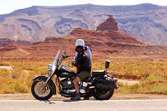 Where´s the Hat? (proefdier) Tags: biker desert fels formation harleydavidson mexicanhat monumentvalley nature outdoor rock utah roadtrip road highway 163 travel reise
