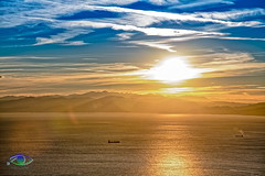 Sunset in HDR #1 (Simone_Callegari) Tags: nikon d850 nikond850 test liguria italy italia genova genoa autumn 2018 autunno hdr sky clouds could blue lights stacking stack boats mare mar marligure mediterraneo mediterranean sun sunset sunsets sole tramonto tramonti nikkor 24120mm