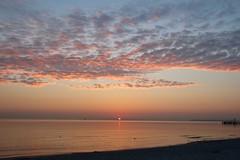 Sonnenaufgang (Hans-Jürgen Böckmann) Tags: strand sonnenaufgang scharbeutz lübeckerbucht ostsee balticsea sunrise