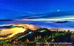 星空雲海夜琉璃 (Benz Yu) Tags: 山岳 琉璃光 星空 雲海 阿里山 隙頂 風景 夜景