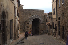 Volterra 130 (Helen White Photography) Tags: volterra tuscany italy etruscan roman veganeateries vegantowns veganholidays