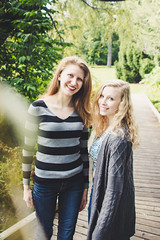 Vicky & Amelia (Katie3lizabeth) Tags: girl girls senior portrait 2019 2018 work photo photograph portraits sisters love beauty beautiful lady ladies women outdoor trend trendy fall new england newengland tattoo tattoos