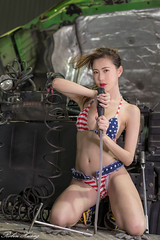 DSC_8901 (Robin Huang 35) Tags: 黃艾比 abbie 修車廠 泳裝 比基尼 bikini 拖車 trailer 車 car 人像 portrait lady girl nikon d850