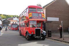 KGU 4 Leyland - London Transport RTL 554 (Ray's Photo Collection) Tags: chesham carousel lt 402 thebroadway kgu4 rtl 554 rtl554 sm15hwd amershamandchesham bus runningday buses londontransport buckinghamshire bucks england uk leyland