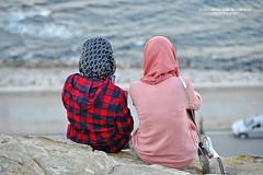 Tangier. Muslim Girls and Technology (Juan C. García Lorenzo) Tags: tangier tanger tánger morocco marruecos maroc muslim musulmán muslimgirls chicasmusulmanas technology tecnología travel viajes nikon nikond90 people gente