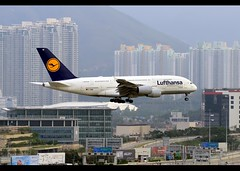 A380-841 | Lufthansa | D-AIME | HKG (Christian Junker | Photography) Tags: nikon nikkor d800 d800e dslr 70200mm aero plane aircraft airbus a380841 a380800 380 a388 a380 deutschelufthansa lufthansa lh dlh lh730 dlh730 lufthansa730 daime staralliance johannesburg super widebody arrival landing 25l fog haze airline airport aviation planespotting 061 hongkonginternationalairport cheklapkok vhhh hkg hkia clk hongkong sar china asia lantau terminal2 t2 skydeck christianjunker flickraward flickrtravelaward hongkongphotos worldtrekker superflickers zensational