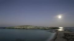 Lo Scoglio di Peppino (nicolamarongiu) Tags: landscape paesaggio mare longexposition luna moon notte scogliodipeppino costarei exposure stellina scoglio balena