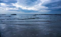 Spiaggia sera mare (berightbackblog) Tags: rimini romagna emiliaromagna italia italy mare streetart