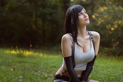 Tifa - final fantasy (BlunaVyris) Tags: approvato tifa girl cosplay final fantasy cosplayer girls dark hair nature