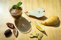 Смузи груша с зеленью QJ4A0215 (info@oxumoron.com) Tags: десерт dessert финики dates datteln лемон zitrone lemon имбирь ginger ingwer
