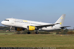 EC-KRH | Airbus A320-214 | Vueling (james.ronayne) Tags: eckrh airbus a320214 vueling aeroplane airplane plane aircraft jet jetliner aviation flight flying london luton ltn eggw canon 80d 100400mm raw