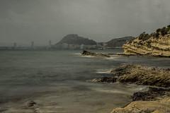 Cabo de las Huertas. (<María>) Tags: mar agua bahía cabo cielo montaña lluvia roca rocas algas arena paisaje costa cabodelashuertas alicante