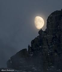 Luna Creciente (Alfredo Santamaria) Tags: westglacier montana estadosunidos us
