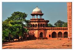 Agra IND - Jawab Taj Mahal west side 04