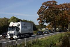 DAF LF 250 FA van St vd Brink 9370 met kenteken 44-BFS-4 langs het Apeldoornskanaal 13-10-2018 (marcelwijers) Tags: daf lf 250 fa van st vd brink 9370 met kenteken 44bfs4 langs het apeldoornskanaal 13102018 lkw truck trucks camion bakwagen vrachtwagen vrachtauto apeldoorn nederland niederlande netherlands pays bas veluwe gelderland