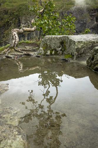 Mirror at Vøringsfossen [explored]