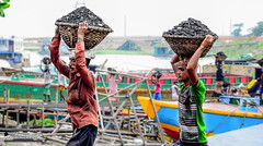Life with Coal? (Sagor's) Tags: life labor labour labors labours photography photo people person street streetphotography streetphoto coal coalmine day daylight dayphoto daily dailyworker dailyworkers daytime workers work worker working basket bd bangladesh lifephotography lifephoto riverside d5300 5300 tamron tamron17 tamron1750 tamronlens travel travelphotography travelphoto travelaward travelling flickrtravelaward