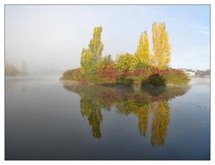 Mirror lake (donbyatt) Tags: furztonlake miltonkeynes autum morning water mist tranquillity early colours